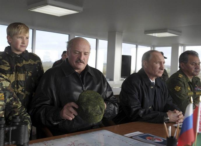 Путін та Лукашенко на навчаннях «Запад-2013»