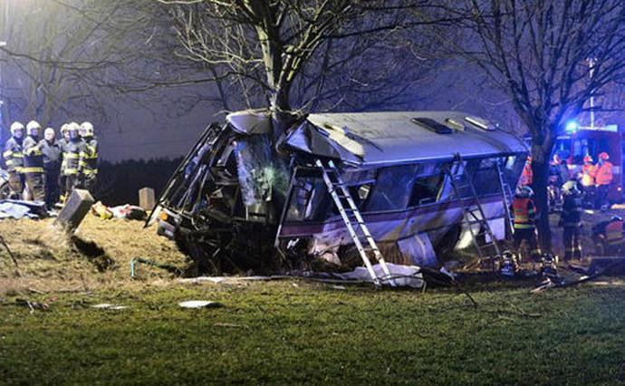 Три человека погибли врезультате дорожно-траспортного происшествия  савтобусом вПраге
