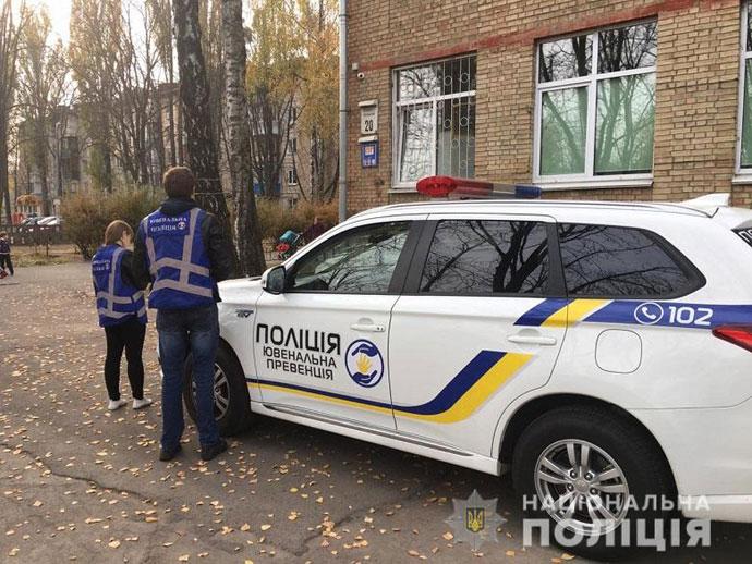 У Києві семикласниця з розгону вистрибнула у вікно школи