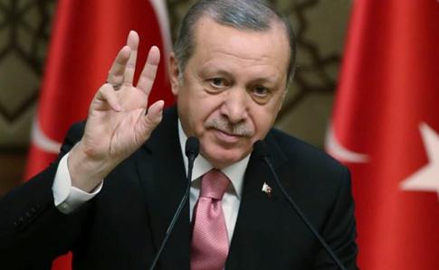 Эрдоган поздравил премьера Турции срезультатами референдума