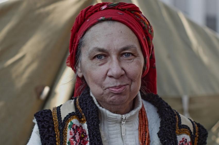 Алена Кесиль с листовками