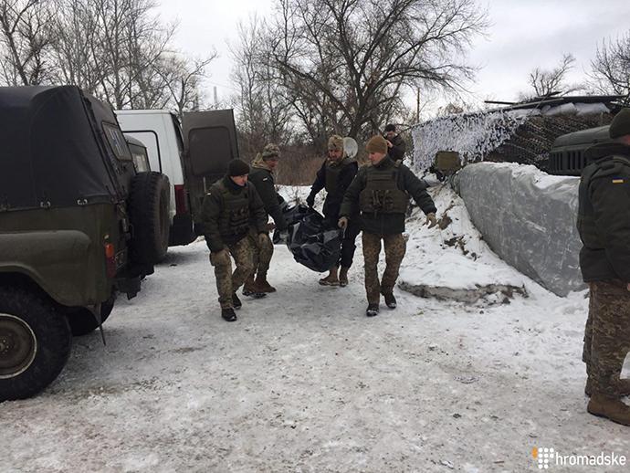Боевики вернули тела 2-х украинских защитников, которые погибли наСветлодарськой дуге
