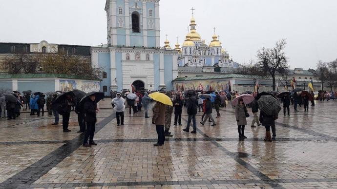 Саакашвили пообещал каждую неделю проводить вече около Рады до3декабря