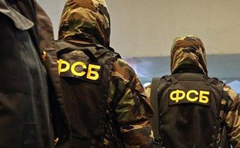 Оккупанты арестовали 10 человек, снимавших навидео обыски вКрыму
