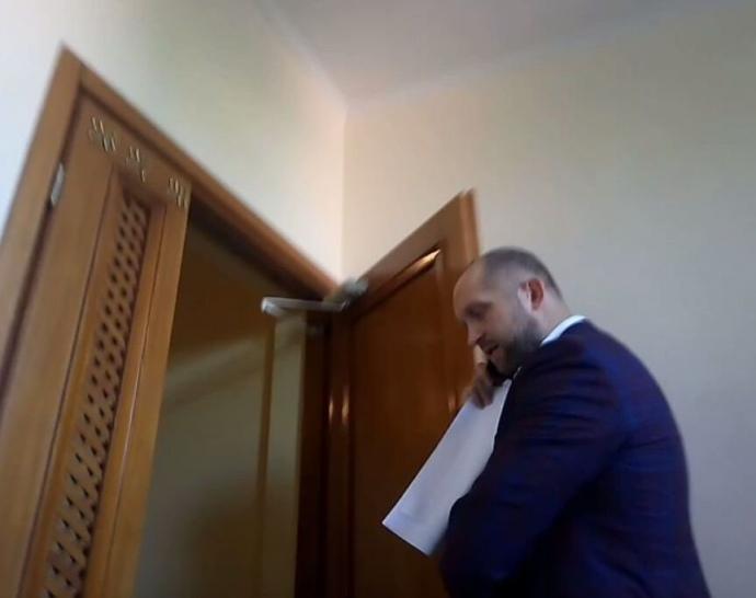 Поляков приехал в адвокатскую контору