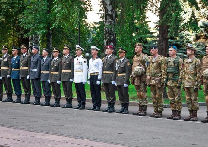 Напараде коДню Независимости Украины воины продемонстрируют образцы новейшей формы