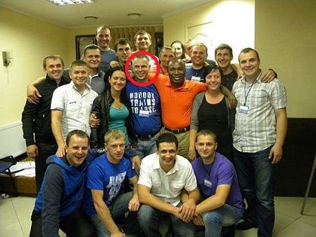 Общее фото Зинченко (в синей футболке)с Аделаджей