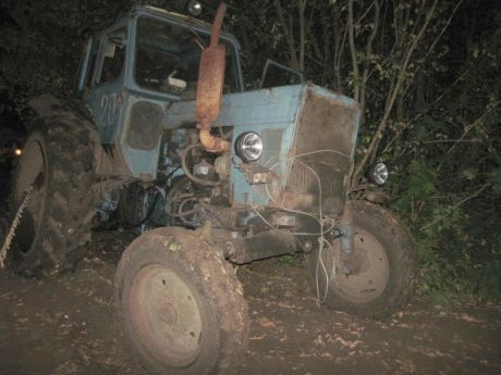 Троє росіян на тракторі незаконно перетнули кордон України