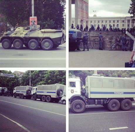 Российские оккупанты пытались отобрать украинский флаг на митинге в Симферополе - Цензор.НЕТ 5460