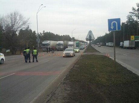 Броварское шоссе, на блокпосту пускают по одной полосе