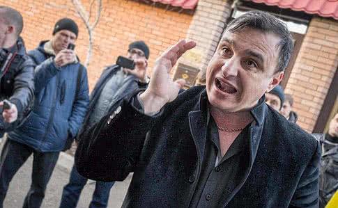 Генеральная прокуратура просит суд озаочном осуждении экс-депутата Луганского облсовета Клинчаева