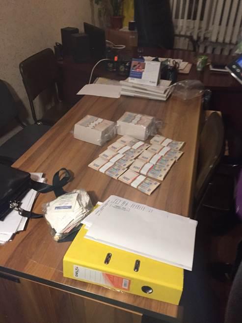 Чиновницу Одесской ОГА поймали на взятке