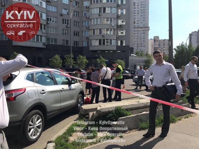 УКиєві стріляли вчоловіка: шукають червону Ауді