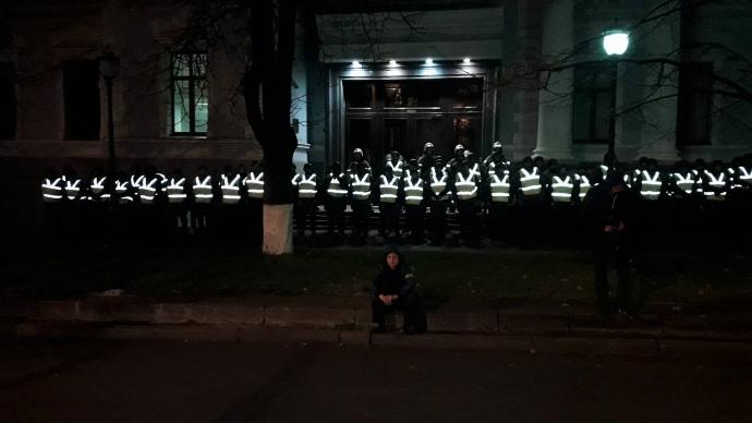 Народные избранники передали президенту Украины проект закона обантикоррупционном суде