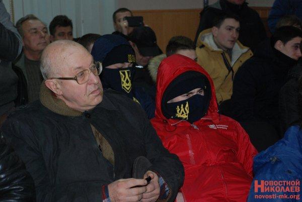 «Правый сектор» избил депутата запризыв квыполнению минских договоров