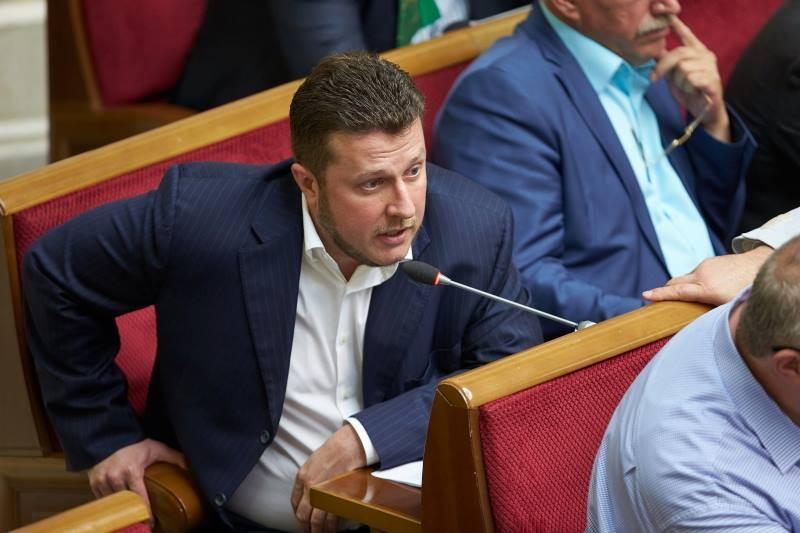 Антон Яценко: від БЮТ - до ПР - і через