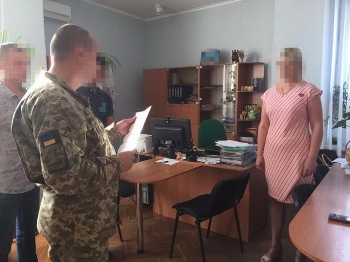 Заместительницу главы города Первомайска Николаевской области задержали навзятке