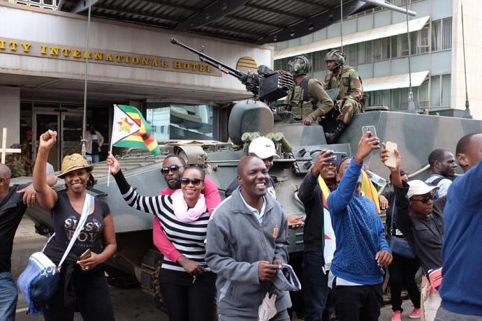 ВЗимбабве сформировался Майдан: тысячи людей требуют отставки президента