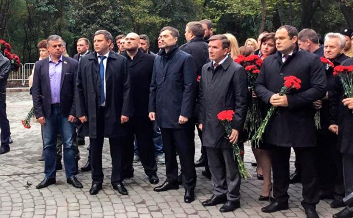 Сурков і Захарченко уРостові відкрили пам'ятник бойовикам