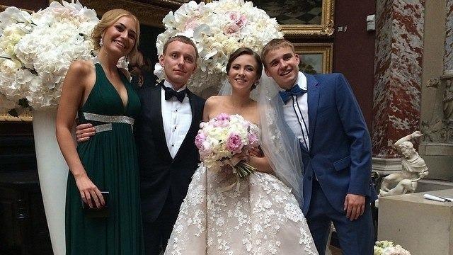 Розкішне весілля Олександр Кацуба зіграв під Парижем у Шато де Шантійі в 2015 році.
