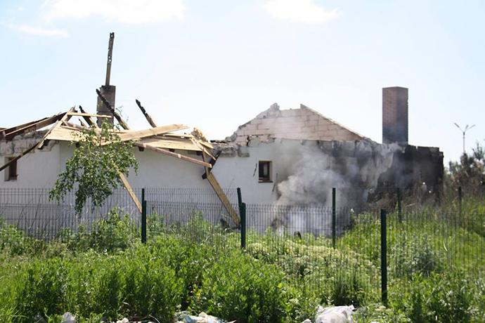 Бойовики вчергове обстріляли селище Бердянське із забороненої зброї