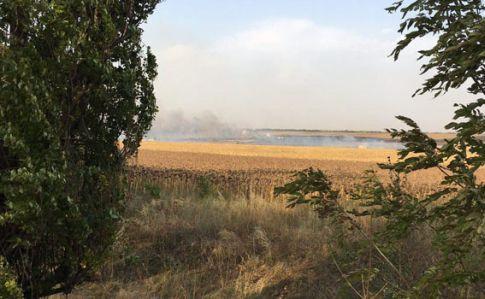 ВДонецкой области взорвались боеприпасы. Пожарные гасят пламя вполе