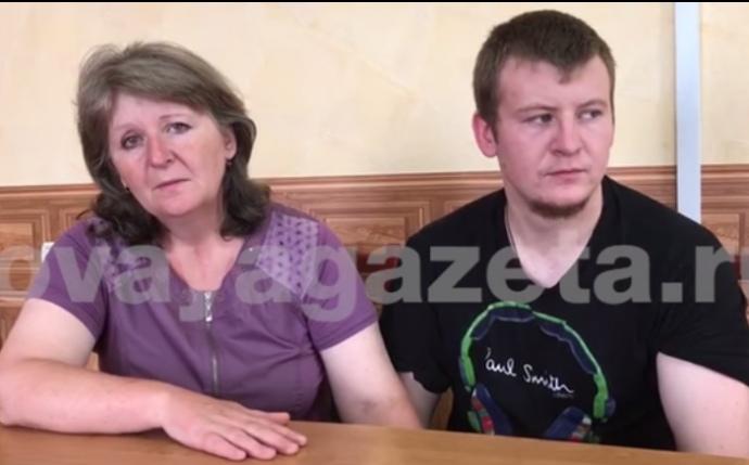 Полонений російський військовий Агеєв зустрічається зматір'ю, яка приїхала доУкраїни