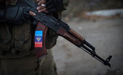 НаДонбасі бойовики відпустили полонянку-інваліда