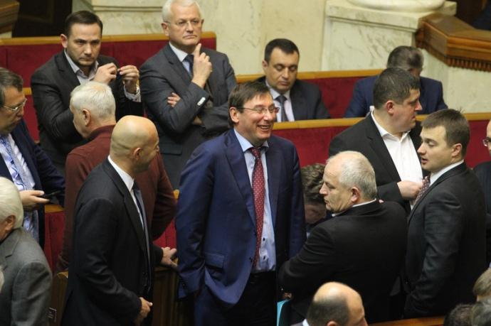 Томенко: БПП треба перейменувати у Блок Порошенка-Черновецького