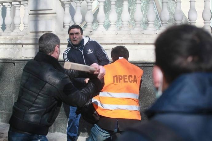 Избиение журналистов Алиевым. 18 февраля 2014 года