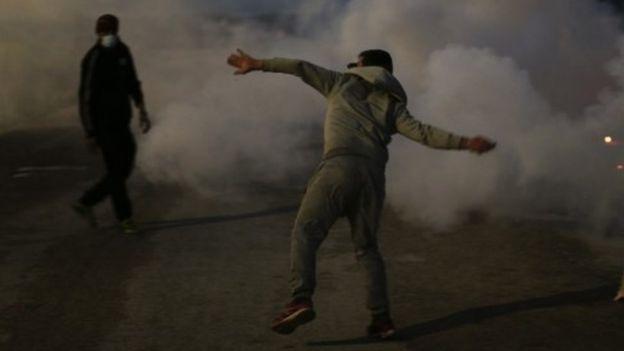 Мигранты подрались сфранцузской полицией— «Джунгли» бунтуют