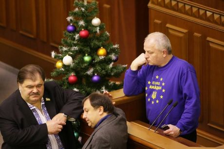 Оппозиция блокирует Раду, 14 января. Фото Дмитрия Ларина