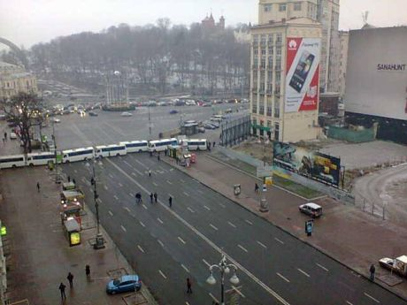 """Беркут"" перекрыл доступ к Майдану (фото)"