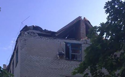 Бойовики обстріляли лікарню і школу уКрасногорівці: почалася евакуація