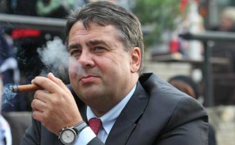 Руководитель МИД Германии посетит линию соприкосновения вДонбассе