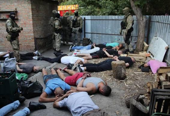 ВКропивницком милиция задержала практически 30 уполномченных криминалитета вовремя «сходки»