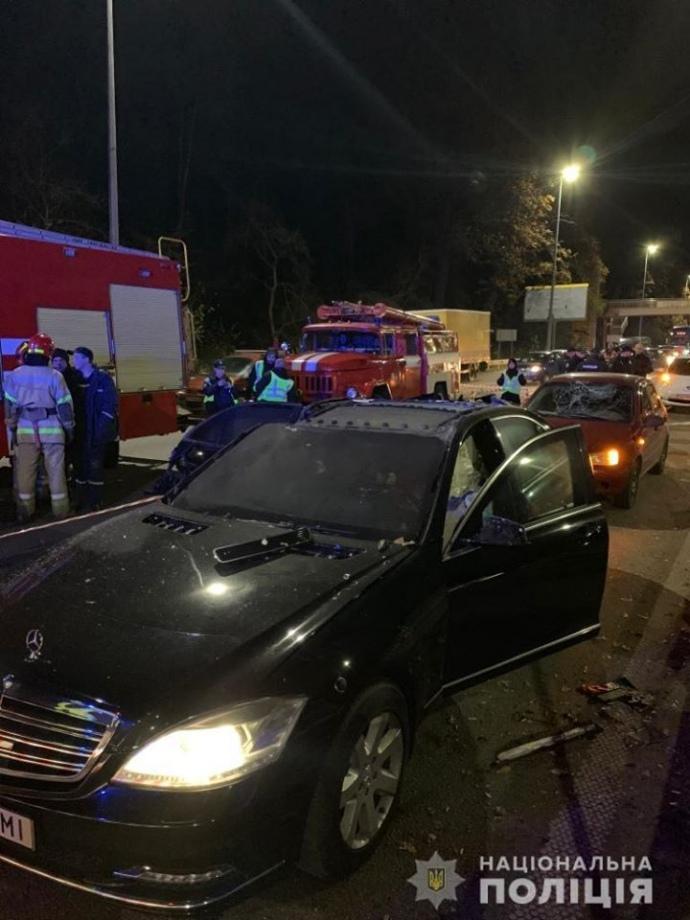 Взрыв авто в Киеве: 1 погибший, полиция проводит спецоперацию