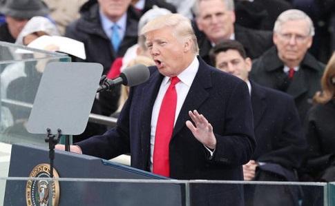 Трамп обвинил СМИ взанижении количества созерцателей наинаугурации