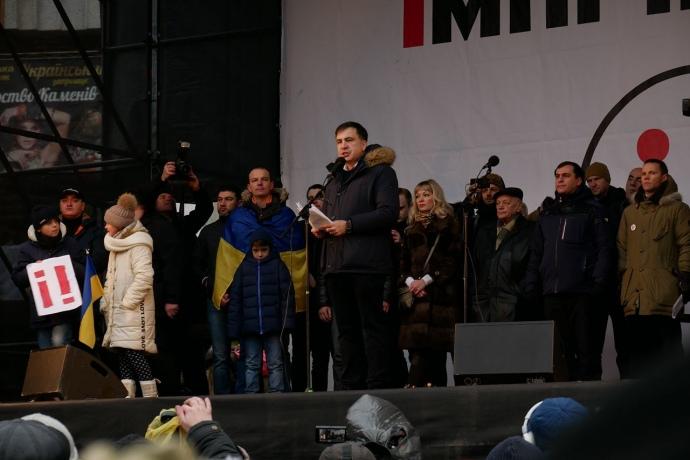 Саакашвили подготовил список претендентов впрезиденты ипозвал Порошенко наМайдан