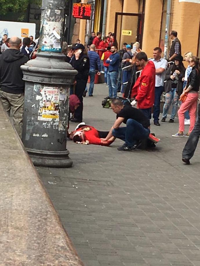 """Неизвестный выстрелил в голову молодому человеку на Бессарабской площади, - """"112 Украина"""" - Цензор.НЕТ 7777"""