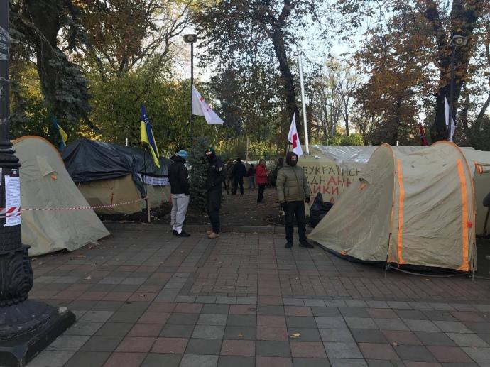 Саакашвили хочет проводить каждодневное «народное вече» устен Верховной Рады