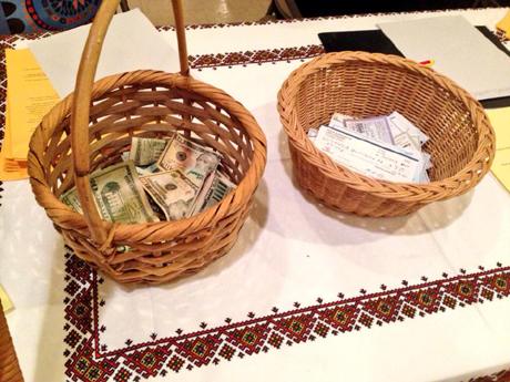 В США собирают деньги на Евромайдан, в Европе - искать имущество сторонников Януковича