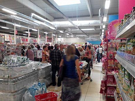 В Горловке не хватает продуктов и медикаментов. Жители бегут из города