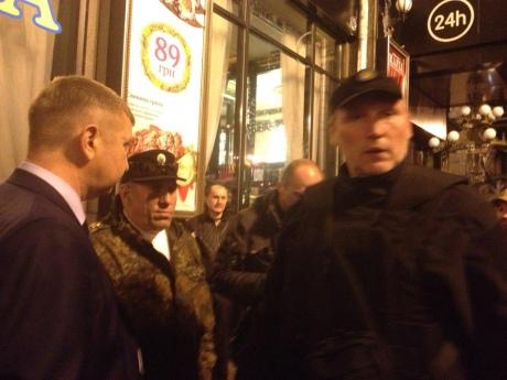 Представитель «Правого сектора» подстрелил трех человек на Майдане. (Дополняется)