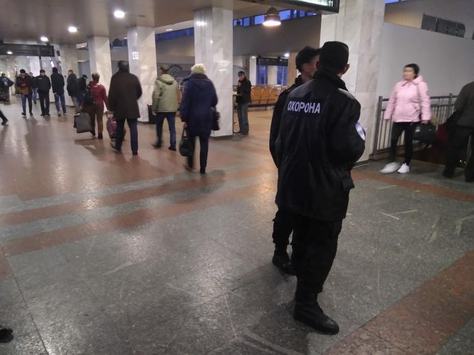 Центральный ж/д вокзал вКиеве эвакуируют всвязи сугрозой взрыва