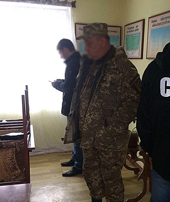 ВОдесской области навзятке задержали военного