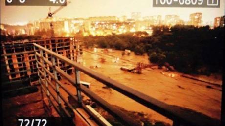 У Тбілісі повінь, загинули 8 людей. Із затопленого зоопарку розбіглися звірі. ФОТО 4