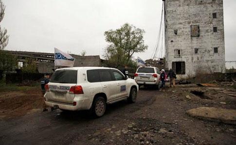 ВАвдеевке увидели фейковый автомобиль ОБСЕ