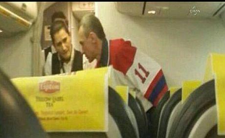 Самолет Киев-Тбилиси задержали из-за пьяного пассажира, назвавшегося террористом - Цензор.НЕТ 2591