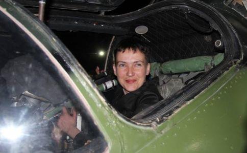 Савченко посетила украинских военных взоне АТО